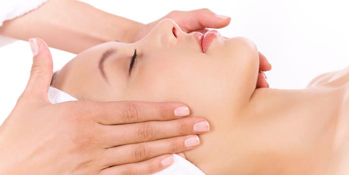 Massagebeelden_Gezichtsmassage